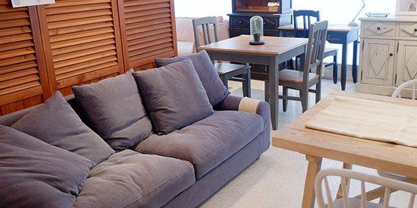 今なら送料無料!柔らかなクッションのボリューム感が印象的なカバーリング仕様の上品な布張りネイビー2Pソファー(二人掛け)ホリデイズ ヌガー 幅160cm